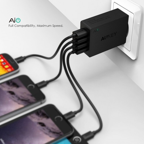 AUKEY Universal 4 Ports USB Charger Travel Wall Charger Adapter for Mobile Devices